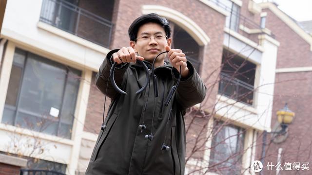 谁才是最强的颈挂式降噪耳塞,索尼WI-1000XM2迎战BOSE QC30
