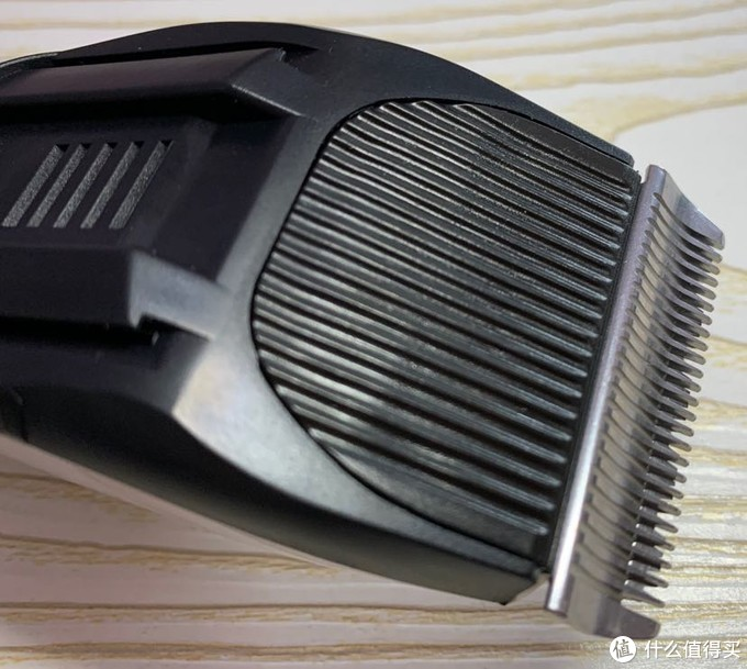 「人人都是理发师」雷瓦RE-3201理发器 开盒
