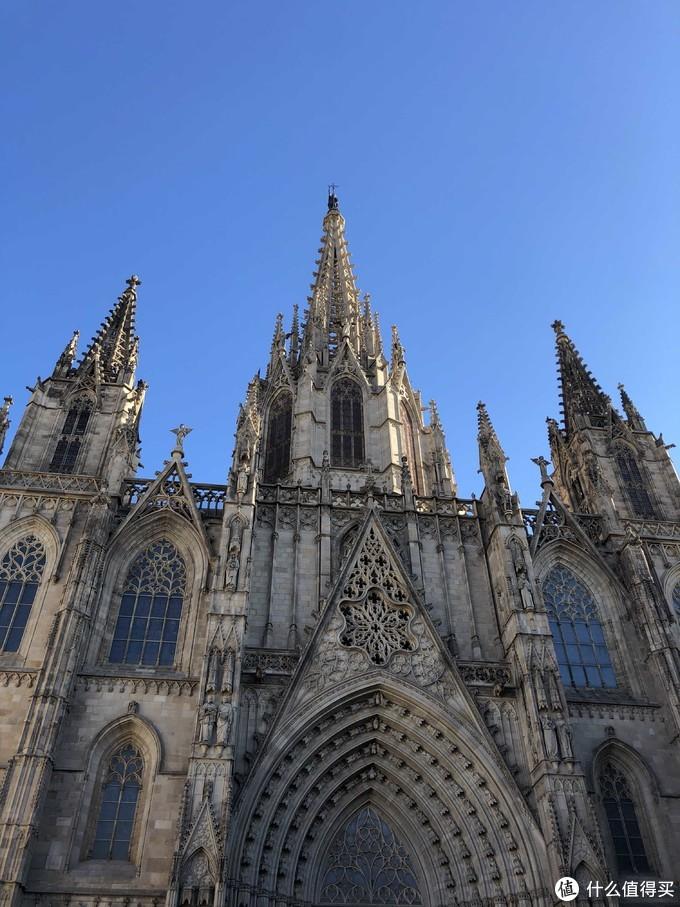 收费的巴塞罗那大教堂