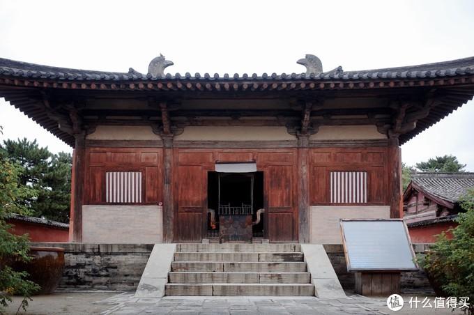 南禅寺现存最古老的一座唐代木结构建筑 地位显著但本身建制不高