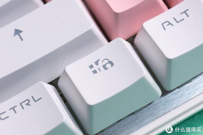 提升手感和颜值,黑峡谷715S,凯华白轴机械键盘入手