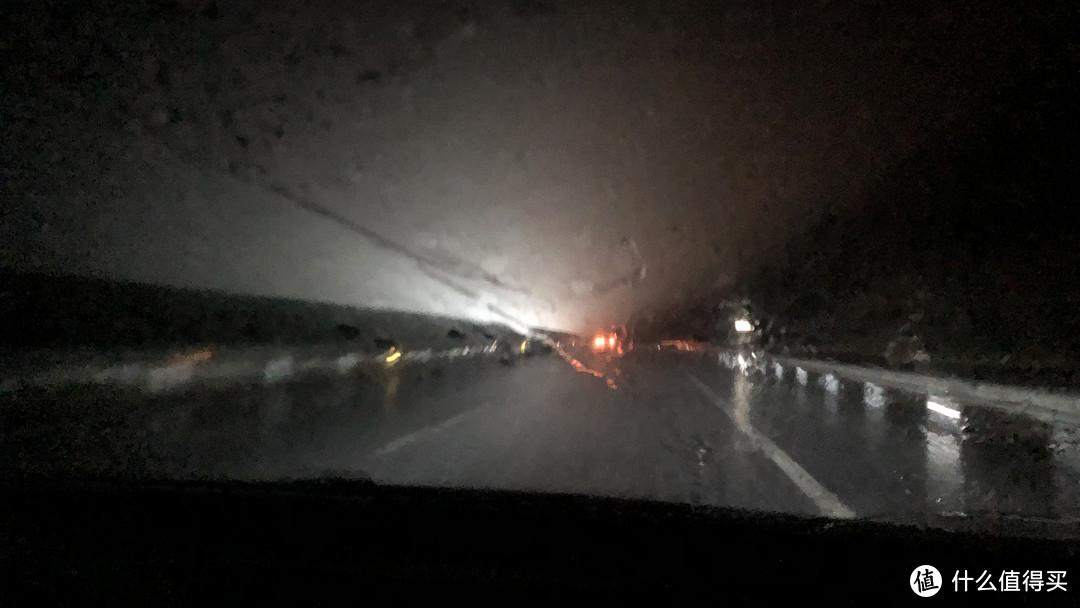更换了大家都诟病的LED灯泡,恶劣天气天气下的实际表现