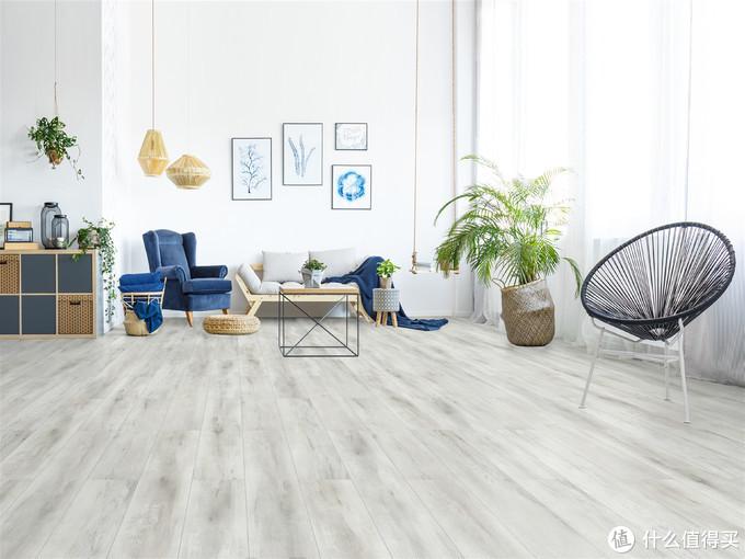 """地板颜色挑花眼?一篇拯救你的地板""""色盲""""症"""