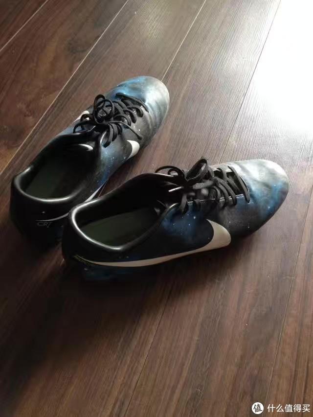 """踢球15年,野球场的""""梅西""""帮你总结出这份最全足球鞋选购攻略!"""