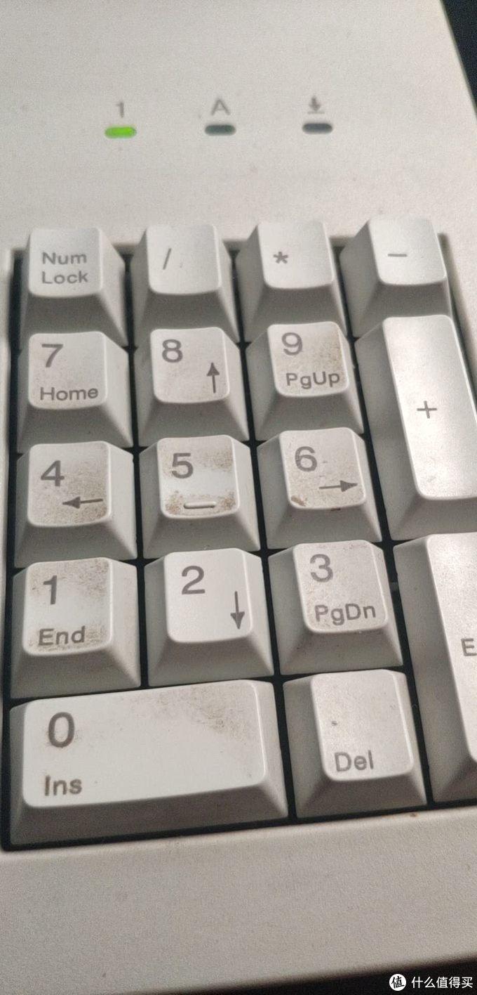 一低头,发现键盘居然脏成了这个样子