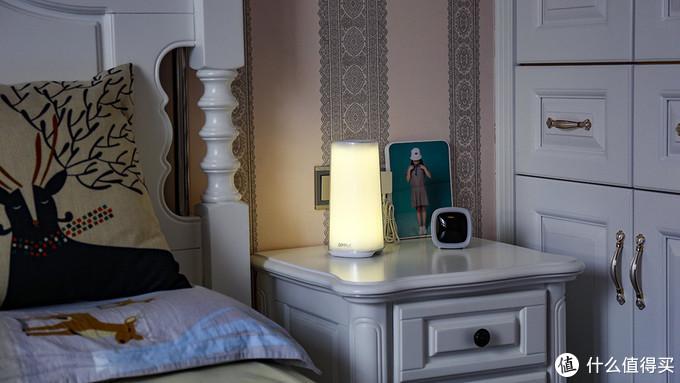 浪漫由自己来守护 氛围由它来创造 欧普炫彩床头灯浪漫制造器