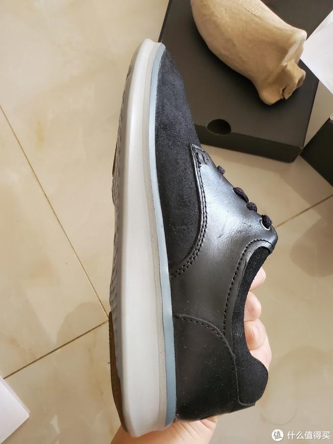 👆UGG的鞋子做工真的普遍不错,至少我从来没有在质量这方面翻过车