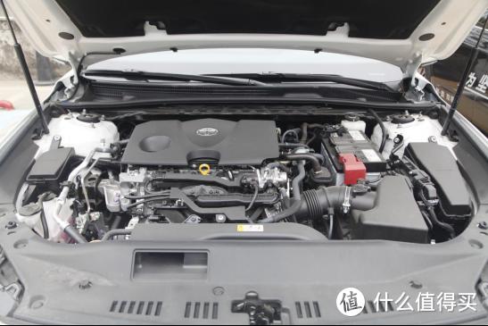 2.0L车型的发动机