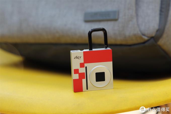 实用的智能指纹挂锁,RGB和报警加持,出门有了它窃贼很头疼