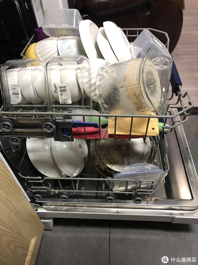 13套洗碗机放的满满当当的了
