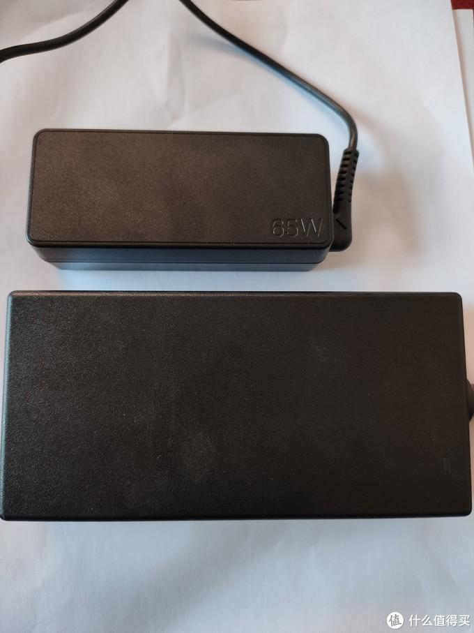 上图s740笔记本自带电源适配器,下图戴尔扩展坞的适配器