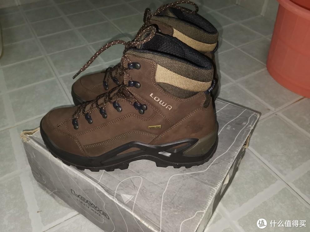 lowa登山鞋