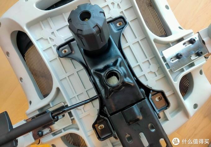 九处调节、记忆海绵、3D扶手,西昊M57人体工学椅体验