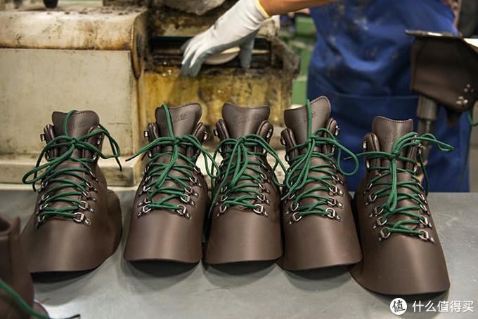 靴中的电影明星:Danner 30800山脉之光