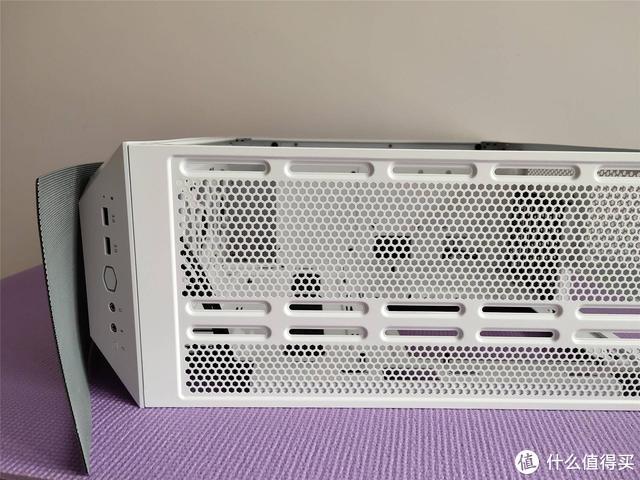 时尚侧透 ARGB酷炫 酷冷至尊TD500 MESH机箱