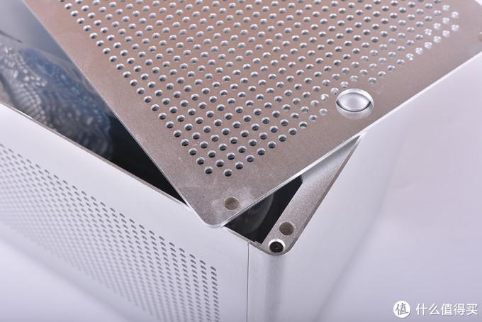 量产A4机箱又多了一个新选择—ESE蜂鸟机箱把玩体验
