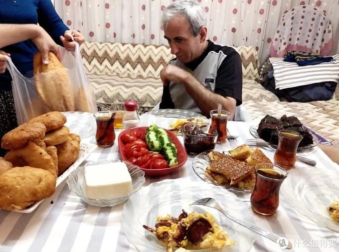 我把中国最难喝的饮料,送给当地的精神小伙…—土耳其篇(3)