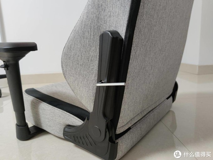尽显王者风范,安德斯特轻享王座电竞椅实现了我多年的梦想