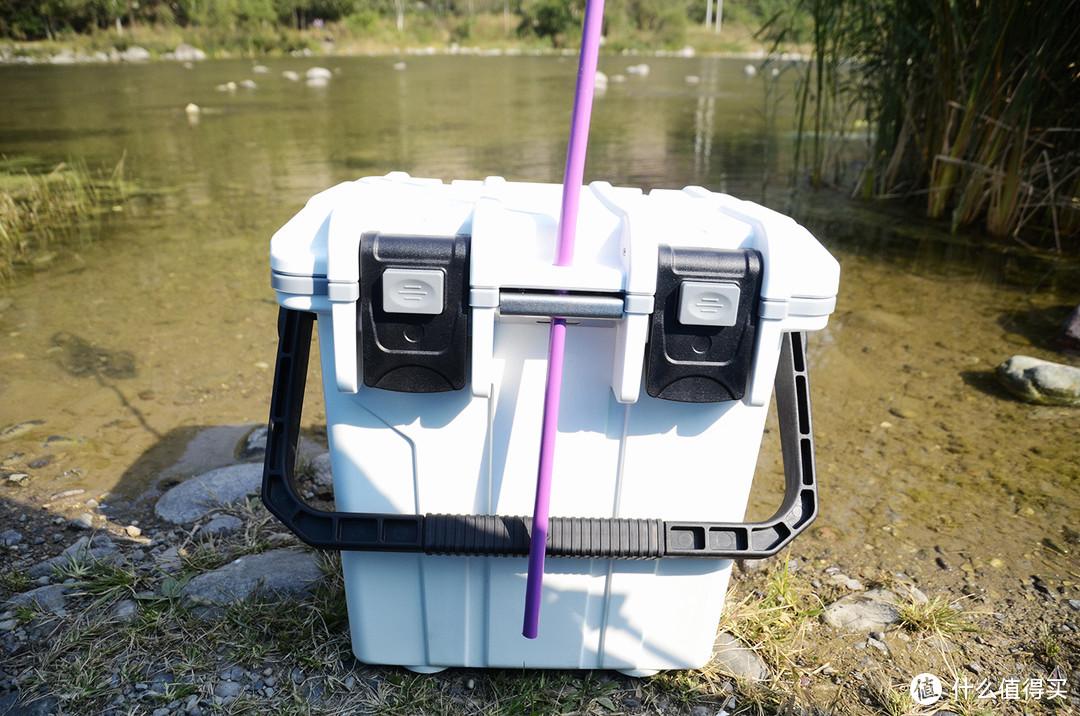 把冰鲜带去营地——鹰眼王20L保温箱COB20