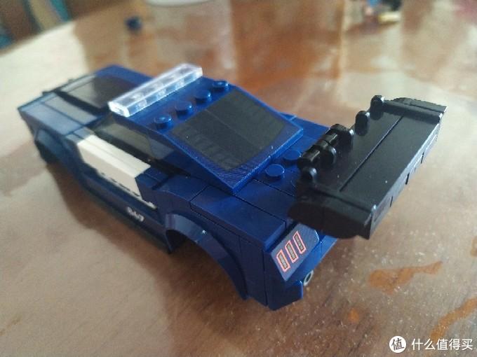 森宝小车:福特野马警车