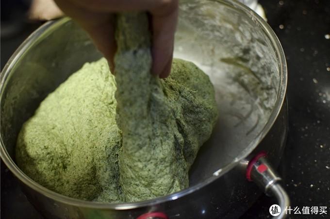 清明艳阳三月天,让我们一起来制作江南特色小吃-----青团