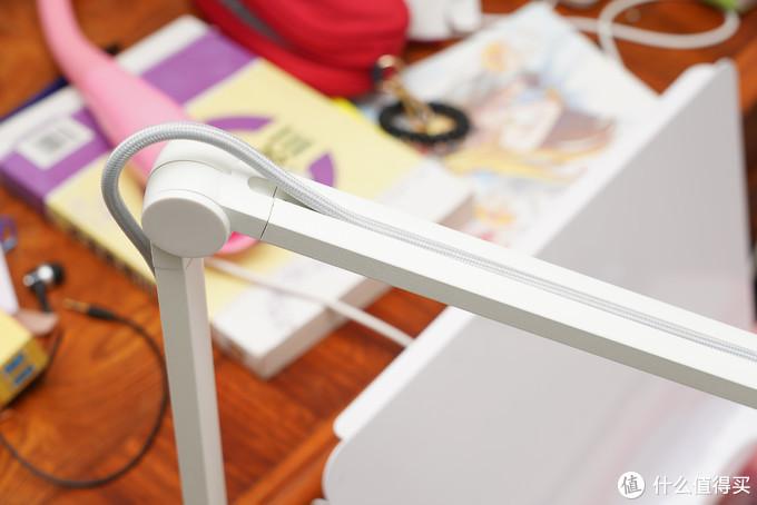 你家的护眼灯可能很贵,但是你真的买对了吗?由儿童护眼灯亮度测试引发的选购攻略