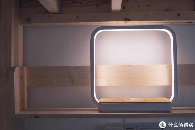 拒绝起床充电,几光LED触摸床头灯入驻新房