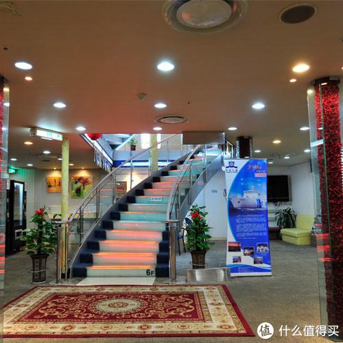 船舱大厅中间区域-网站图片
