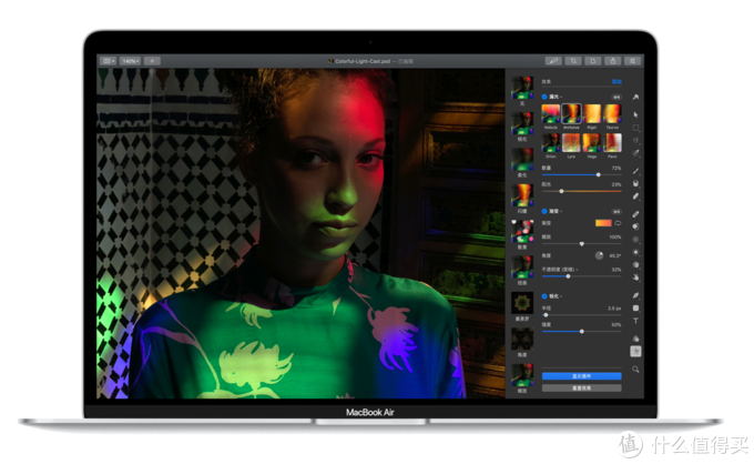 全新剪刀脚妙控键盘:Apple发布全新 MacBook Air 13英寸笔记本电脑