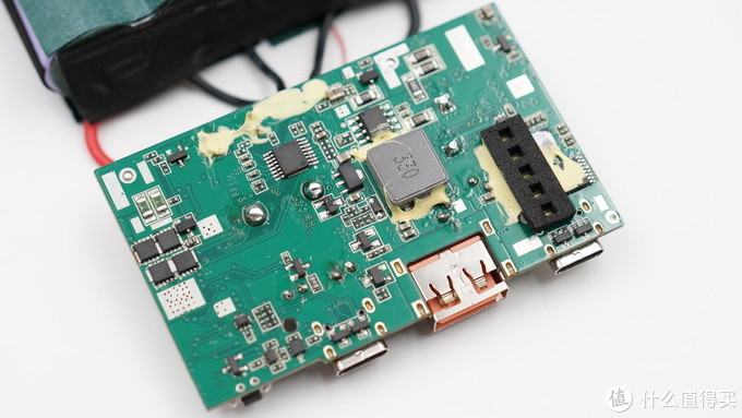 拆解报告:iWALK 26800mAh 100W PD双向快充移动电源F100W