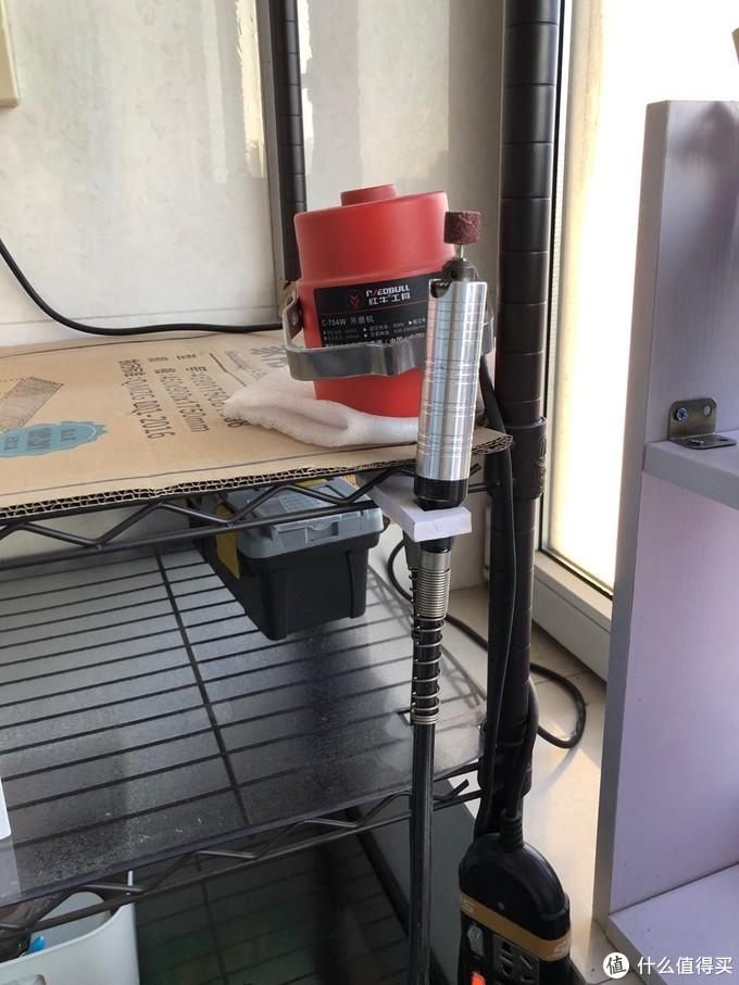 不到一平米,这可能是世界上最简陋的的工作台,却是我的快乐源泉
