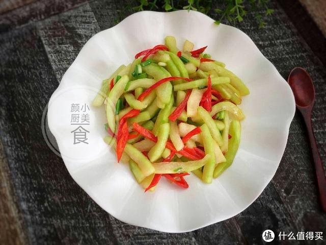 西瓜皮居然可以这样吃,爽口又开胃,还能去暑减肥!