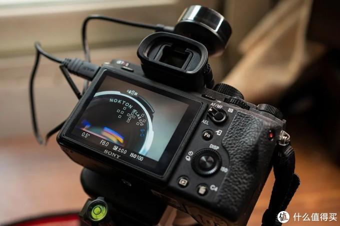 LA-EA4 转接美能达50mm F2.8 Macro 的 15 点对焦系统