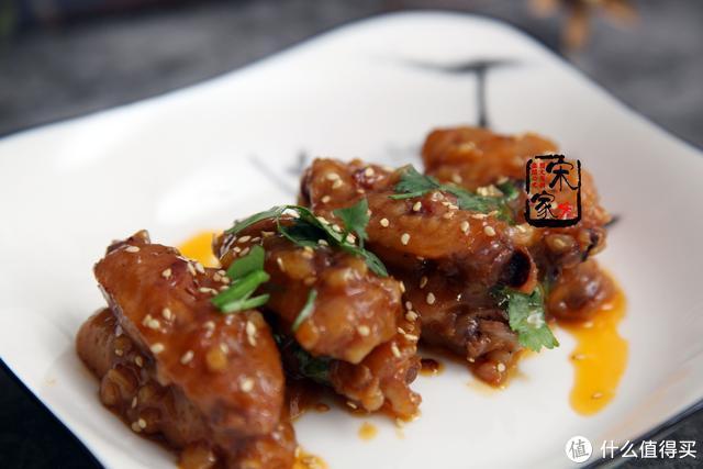 鸡翅最好吃的做法,不放1滴油,解馋味道香,好吃的放不下筷子