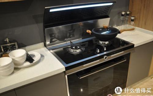 请厨房达人来答一下,到底是选油烟机还是集成灶?
