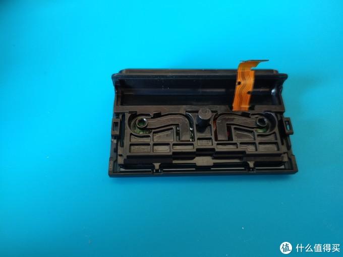 DUALSHOCK 4 PS4晶透手柄——拆解and清理