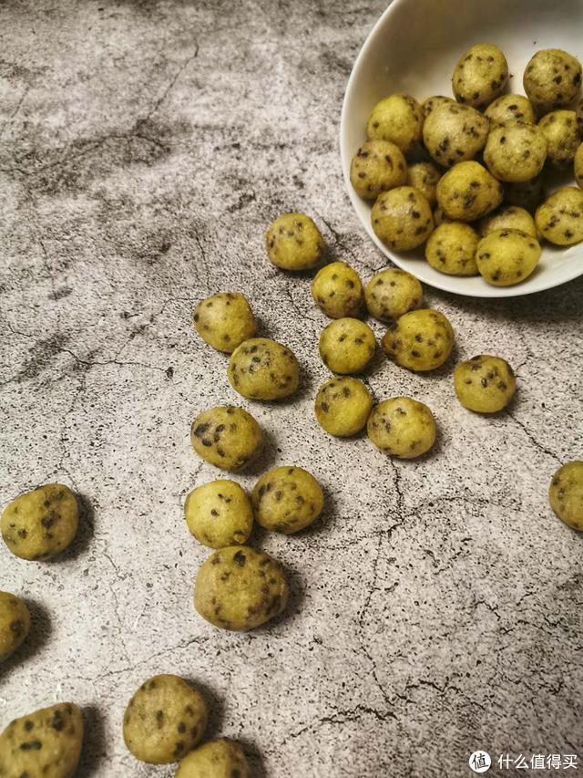 今天你吃糖豆了吗,半碗糯米粉教你做最简单的糖豆,详细步骤分享