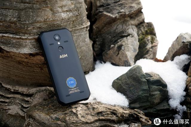 新手机摔了几十次后屏幕没碎?测试后只想说:AGM,真香!