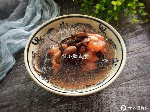 女人喝这汤正合适,降血脂,抗衰老,要常喝!