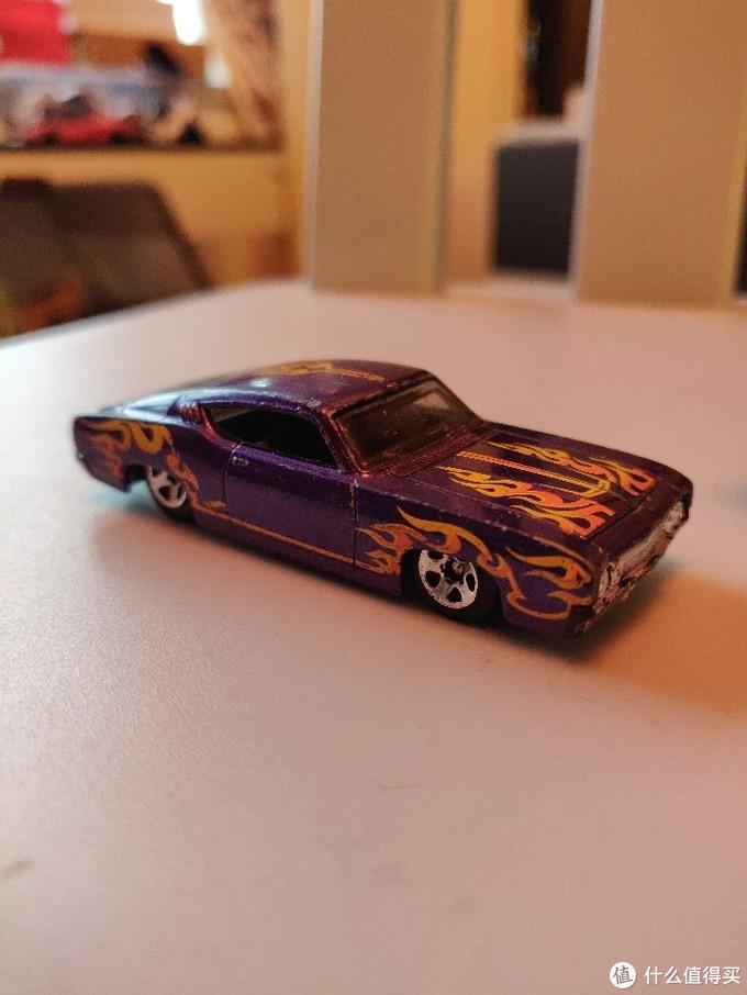 源于生活的汽车玩具:孩子的风火轮小汽车