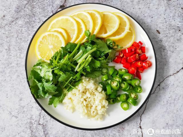 自从学会凤爪新吃法,我家一周吃2次,开胃又解馋,吃着超过瘾