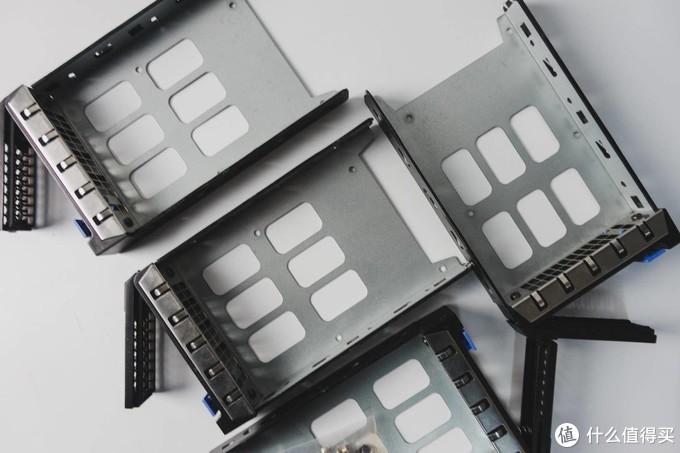 魔改蜗牛星际C款:6盘位+胆电容背板+USB3.0+服务器托架(附装机方案)