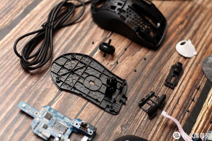 小手神器有多6?冰豹Kone Prue Ultra游戏鼠标拆个稀碎