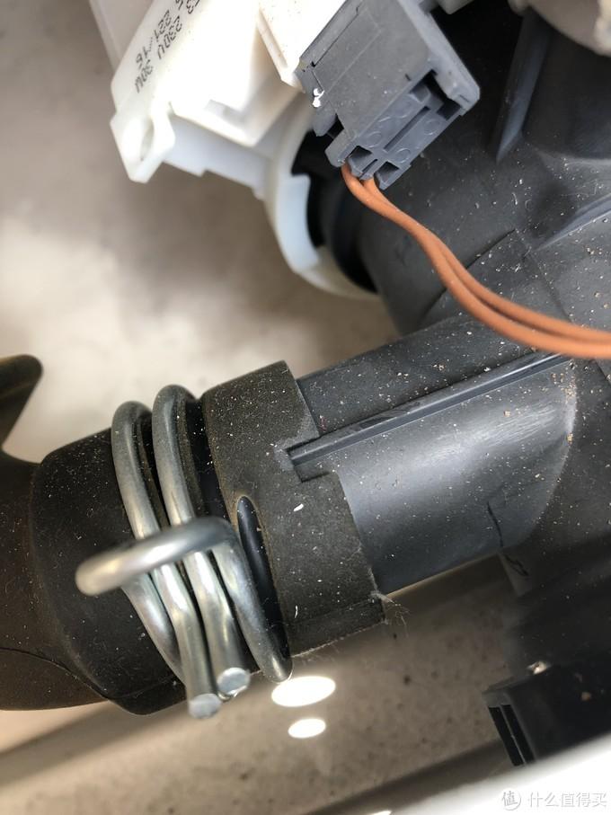 西门子滚筒洗衣机拆解详细,型号IQ300。8kg。老婆说我拆了也安装不上或者装上也有问题表示不服