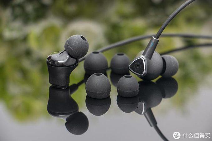 主动降噪是王道,爱国者ANC主动降噪项圈式蓝牙耳机W08实测,耳压适中效果明显