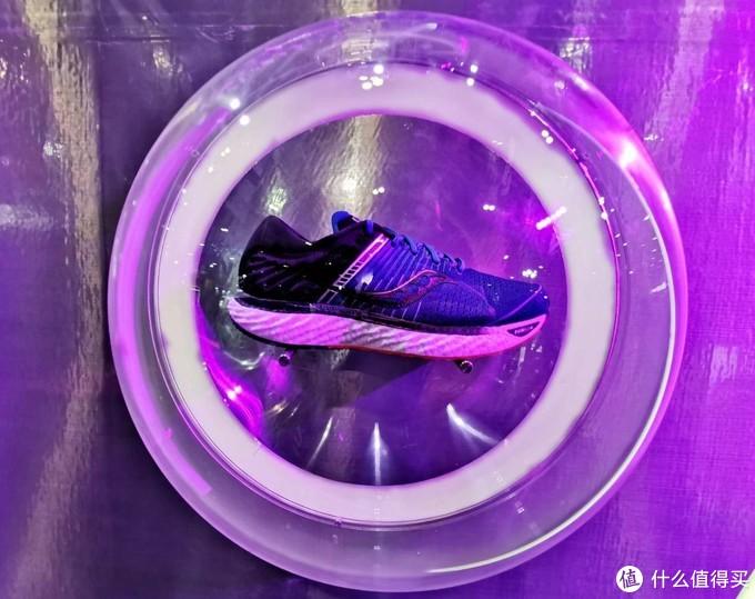 轻量化跑鞋记录缔造者,索康尼菁华11晒单