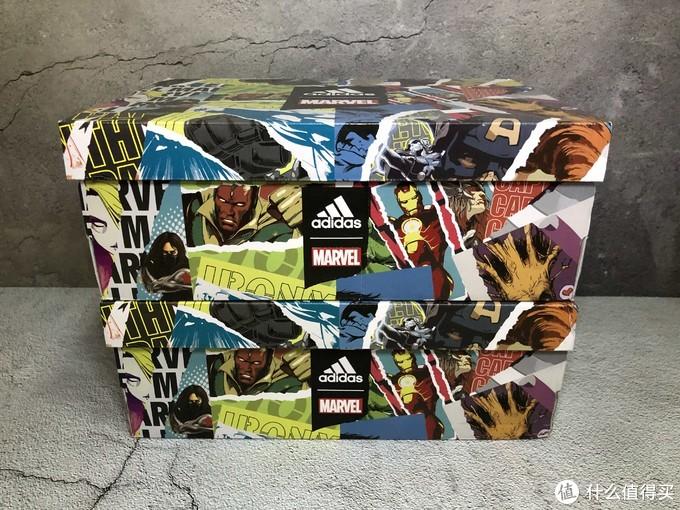 两双鞋鞋盒一致