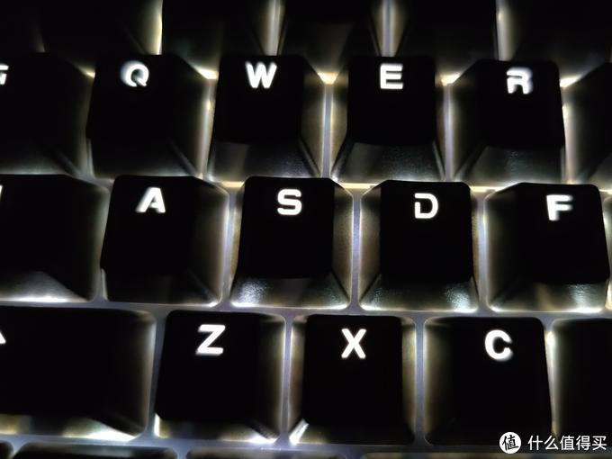 给我的办公桌添置一把低调的键盘——罗技K845评测