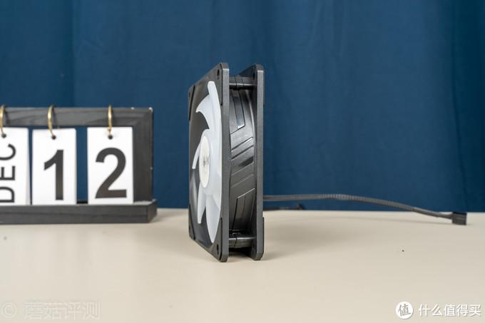 散热效能升级,轻松跨入顶级360水冷行列、酷冷至尊B360 ARGB一体式水冷 评测
