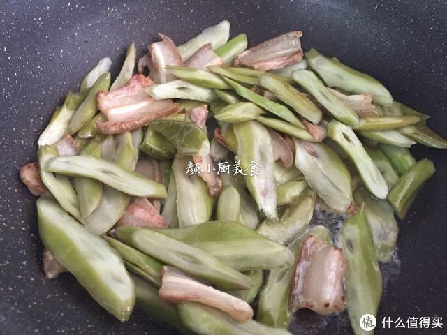 这豆有点怪,却是菜中佳品,这做法爽脆又下饭,上桌立刻被抢光!